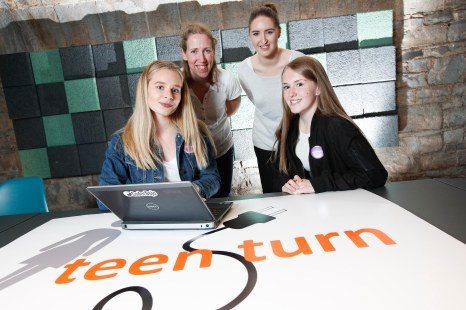 *** NO REPRODUCTION FEE *** DUBLIN : Pictured (l-r) were students Lauren Sliney from Pobalscoil Iosolde, Palmerstown and Natalie Thunder from St Aidans, Tallaght with mentors Naomi O'Callaghan and Geraldine Murphy from Opennet. Picture Conor McCabe Photography.